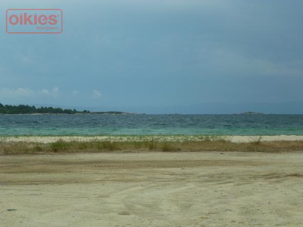 Участок земли в остров Торони
