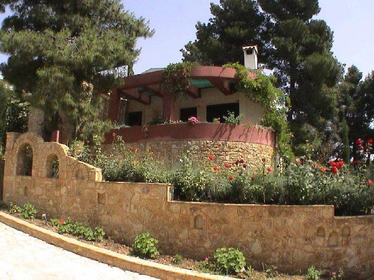 Дом в деревне Ситония недорого