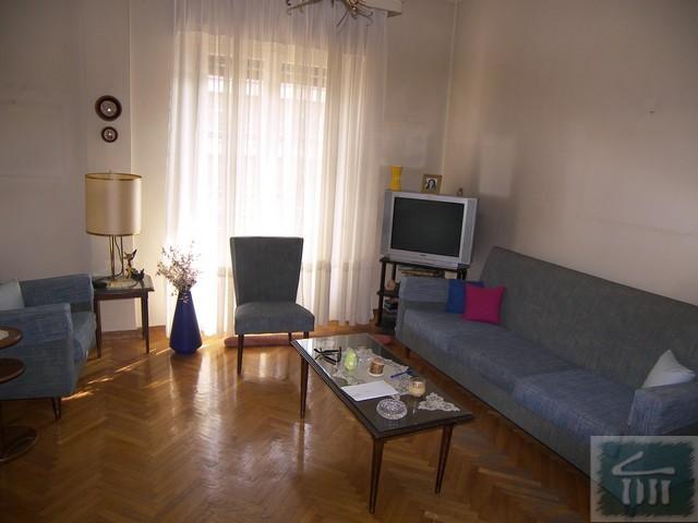 Не дорогую квартира в остров Пирей