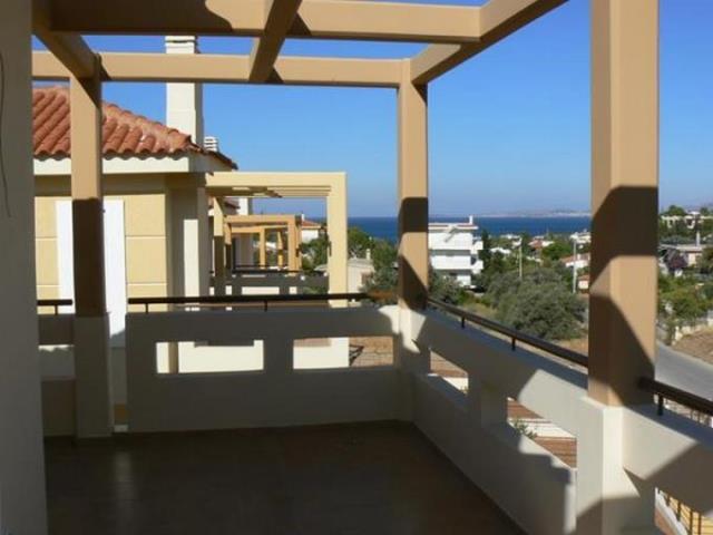 Недвижимость в Аттика у моря недорого в рублях